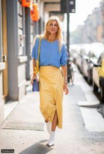 الأزرق مع الأصفر
